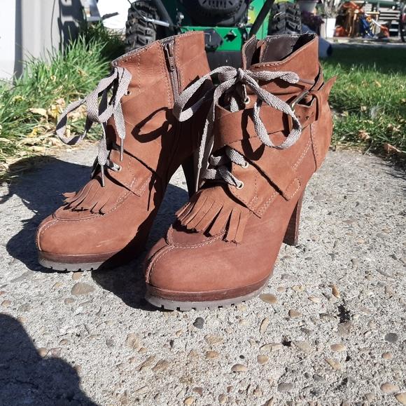 La Canadienne🍁Stephanie Ladies 8M Boots